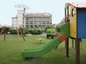 Hotel Carlos I Silgar | [es] Parque Infantil [en] Playground  [pt] Campo de jogos